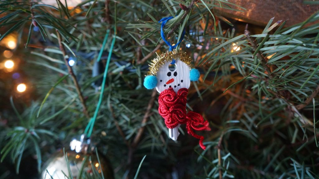 DIY: Christmas deco with reused materials