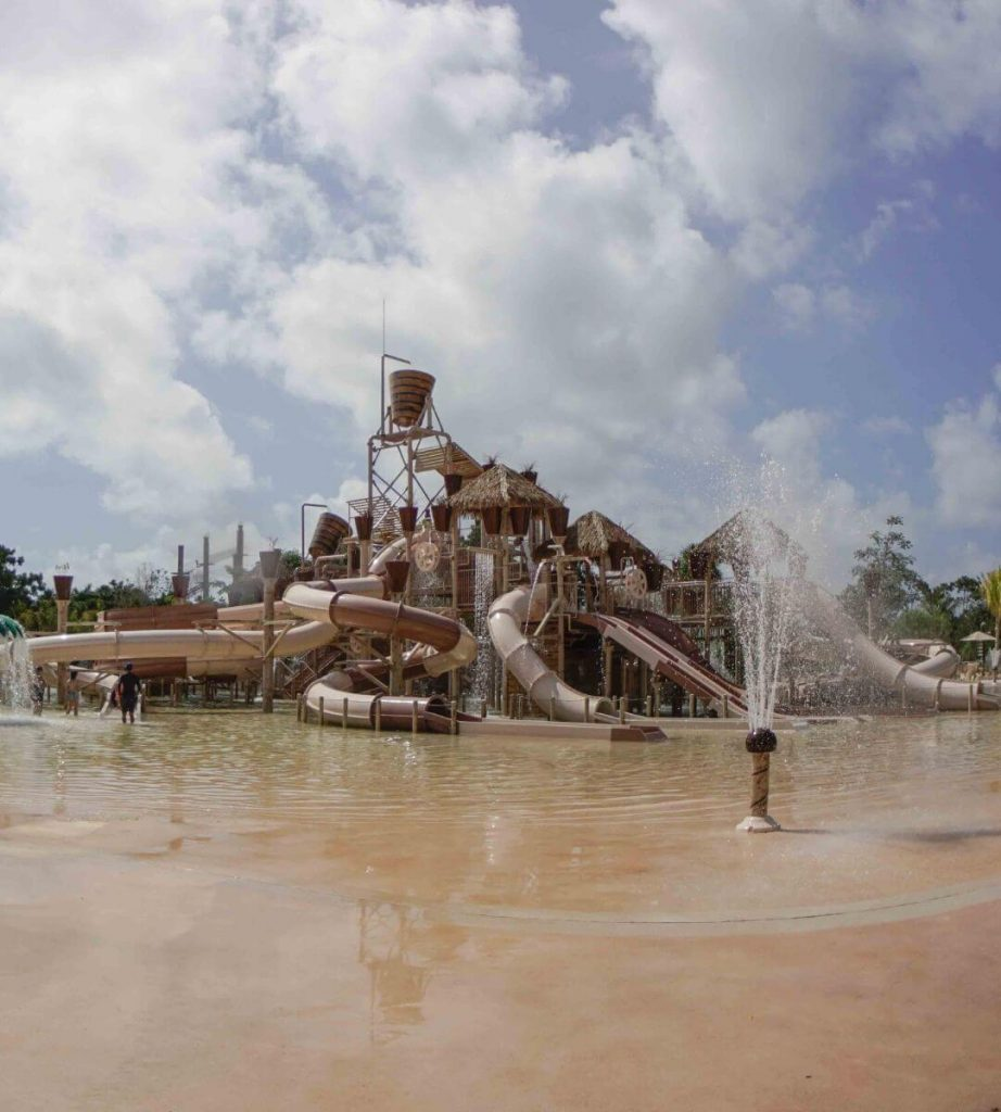 Water-slide park in cancun for kids