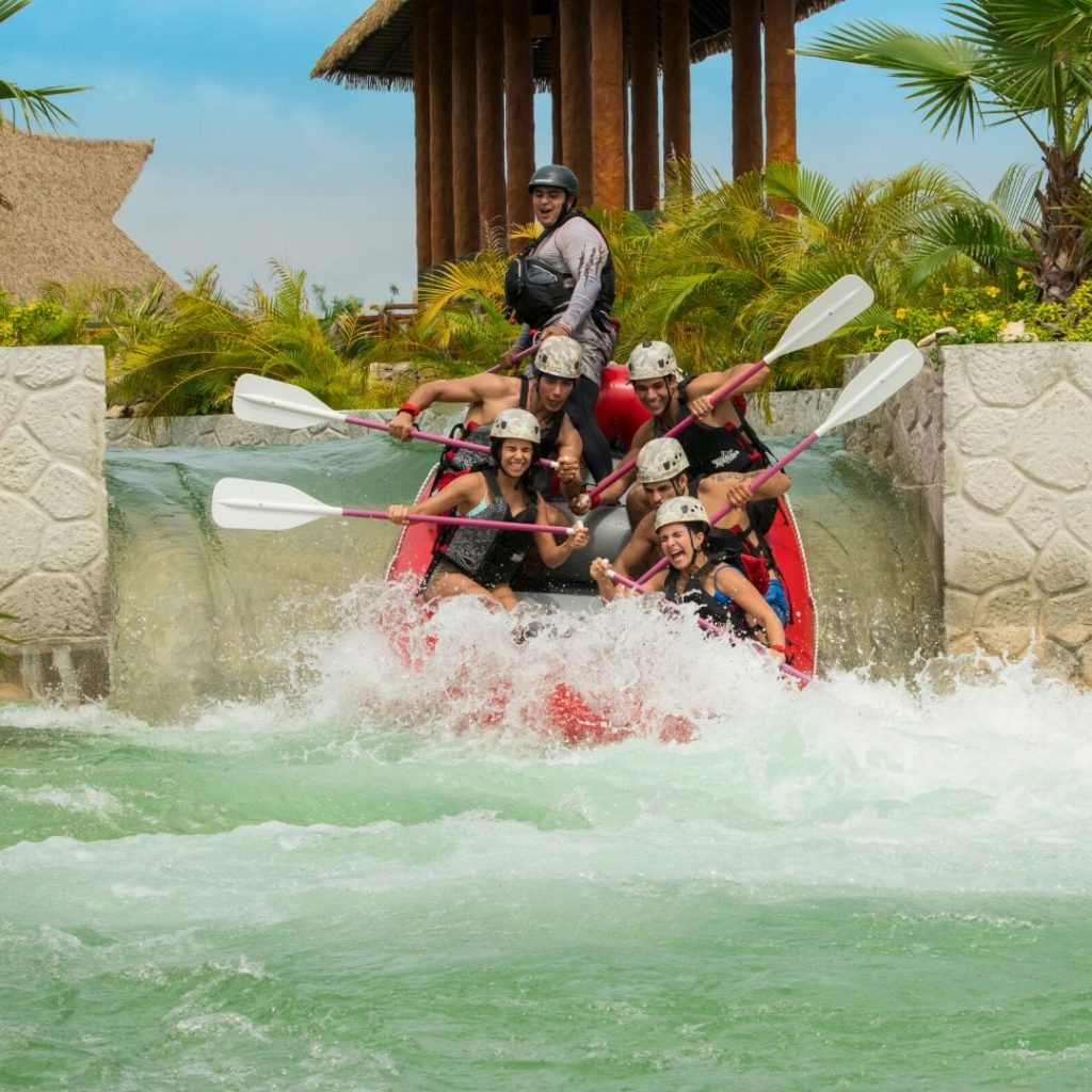 xavage-park-cancun-rafting