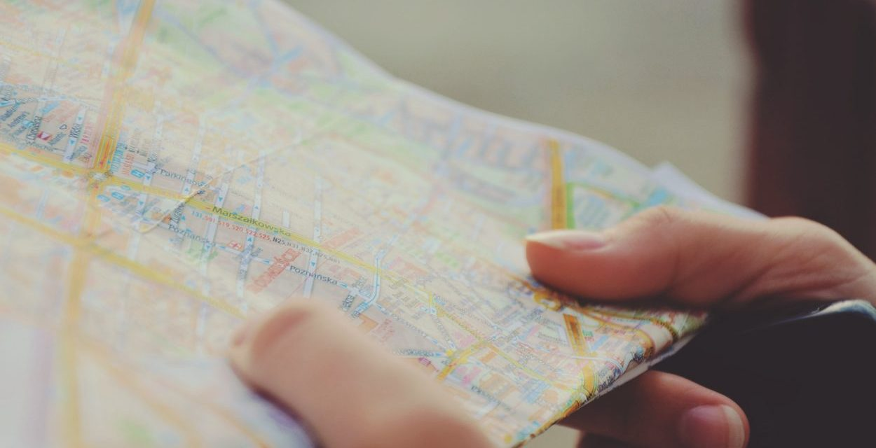 5 perfect gifts for someone who loves traveling