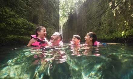 Tips for swimming in the rivers of Xcaret with your children