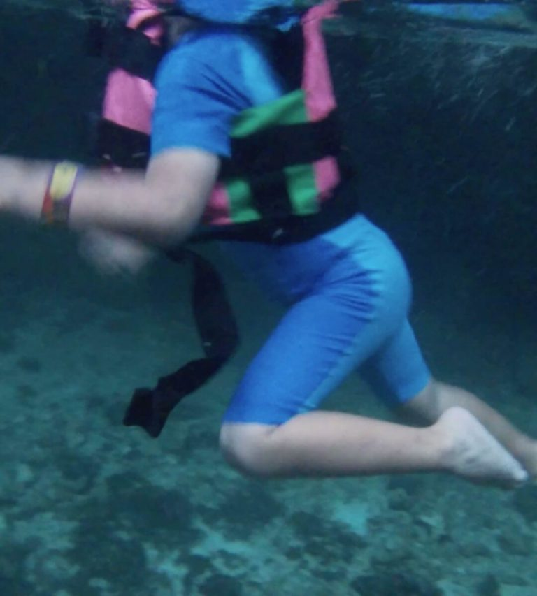 Tips for swimming in the rivers of Xcaret with your children-swim