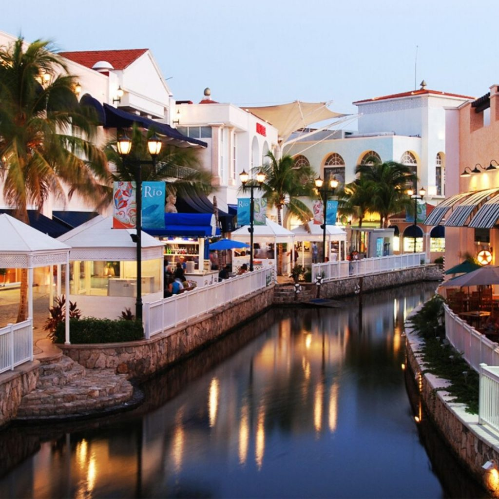 The-must-see-places-for-a-Cancun-vacation-isla-village