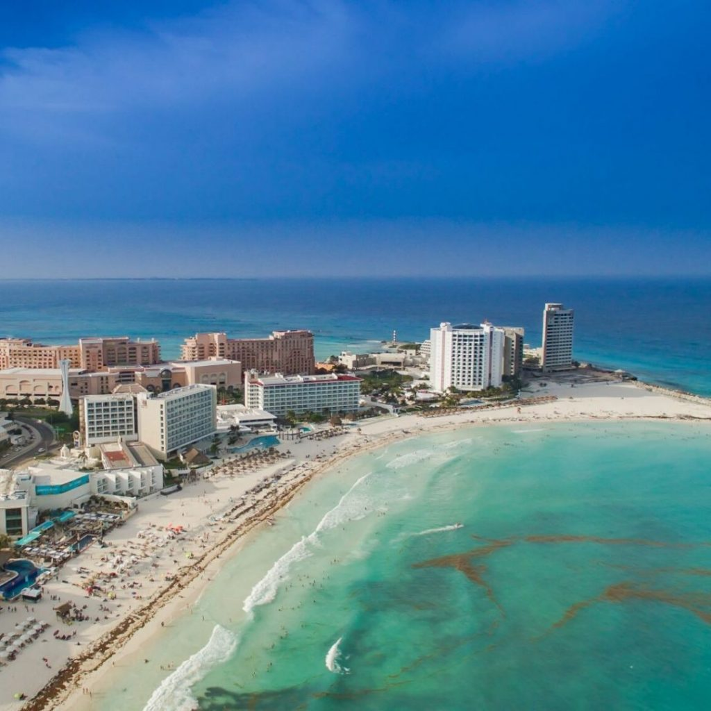 The-must-see-places-for-a-Cancun-vacation-forum-beach