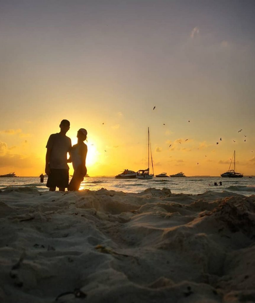 Ideal road trip in the Mexican Caribbean for those traveling as a couple-isla mujeres sunset