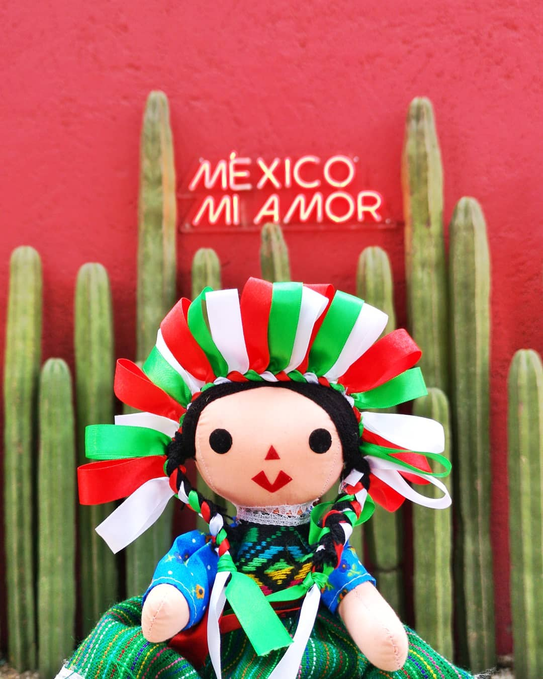 Dolls representing the history and tradition of Mexico's indigenous culture