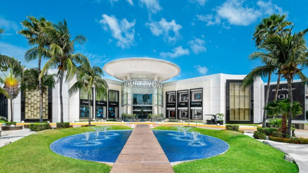 luxury-avenue-cancun