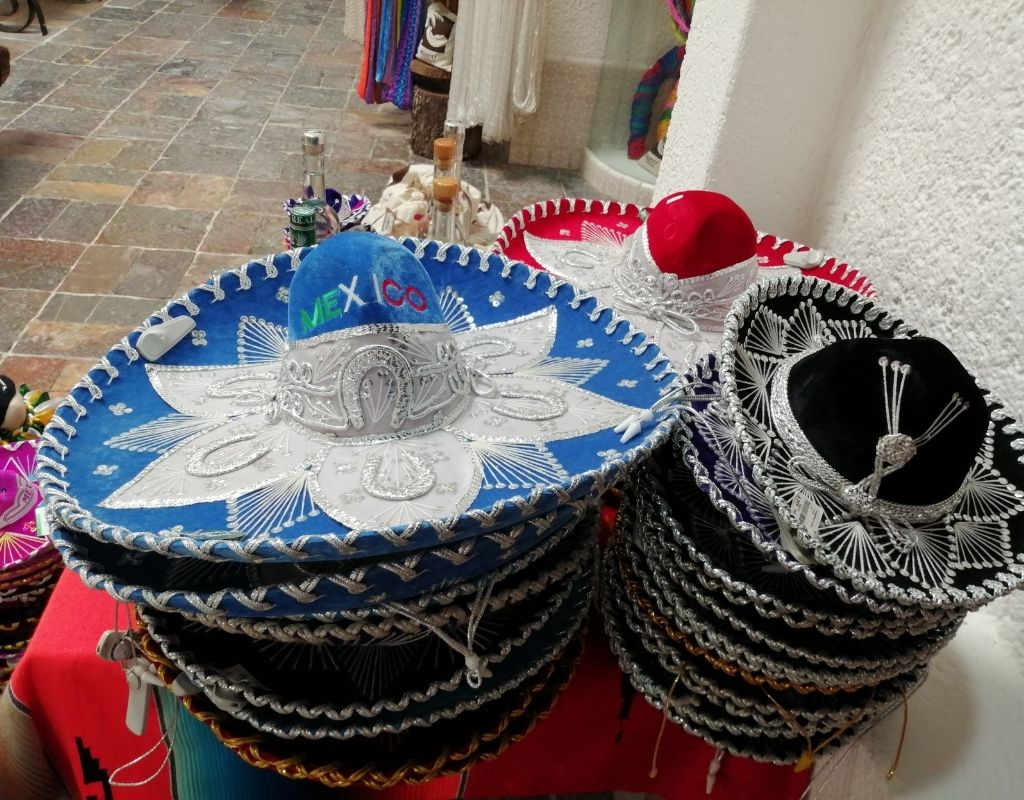 10 most popular crafts in mexico - charro hat