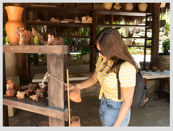 Clay workshop in Xcaret: an activity for creatives